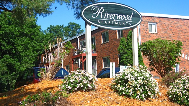 The_Riverwood_Apartments.jpg