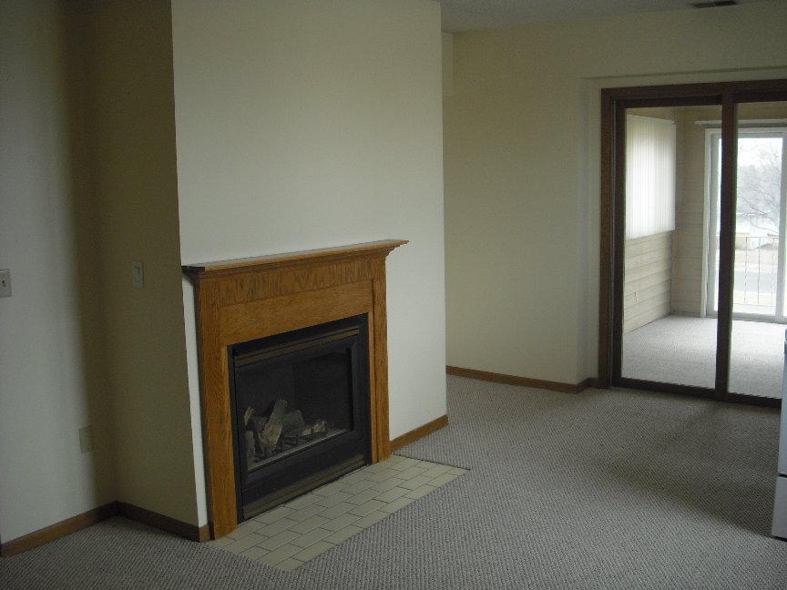 #32 Living room.JPG