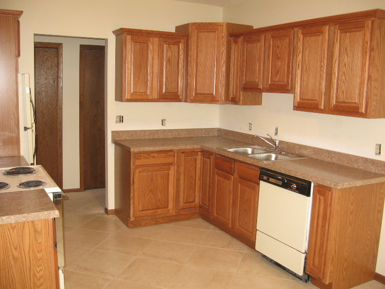 Unit 2 Kitchen 2.JPG