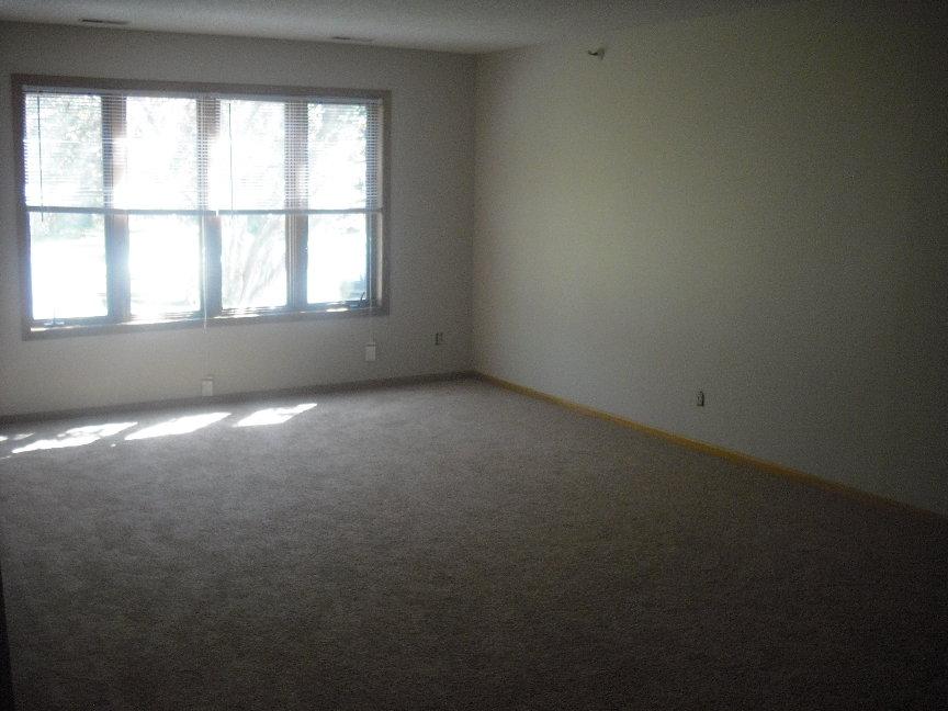 Living room 2 #107.JPG