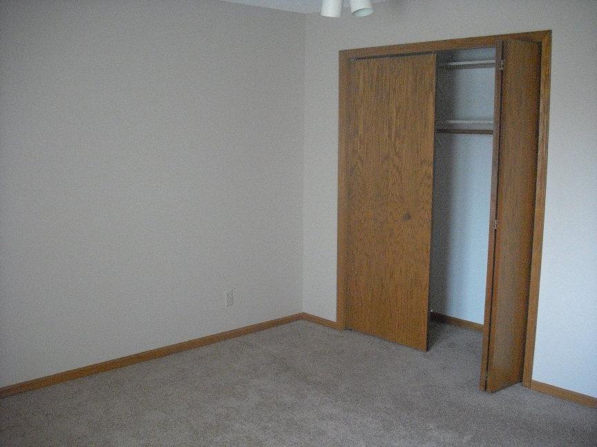 Vacant unit bedroom.JPG