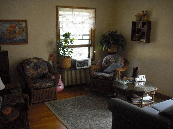 2940 3 Living room 2.JPG