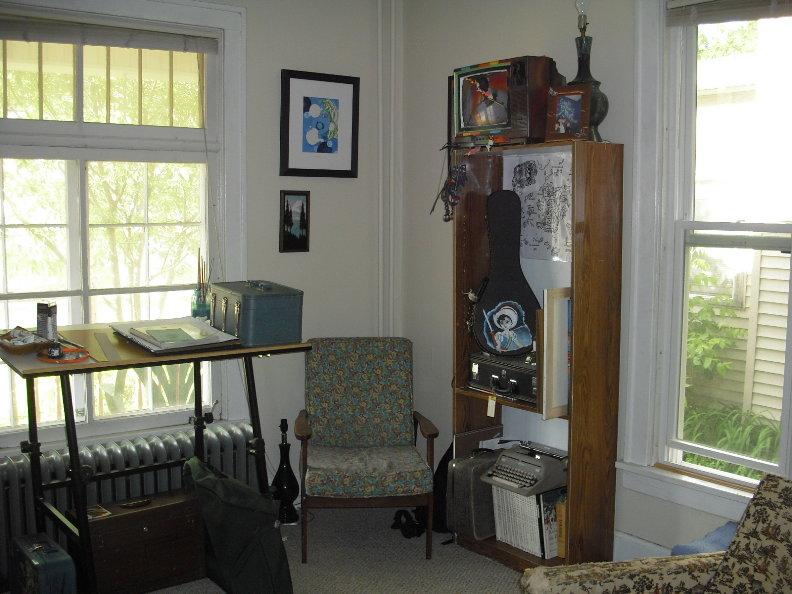 Front Room #2.JPG