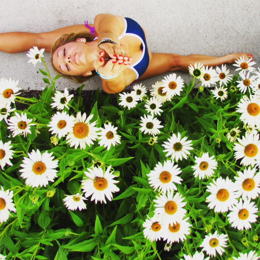 Kino MacGregor, Kino Yoga | Photography by Kelli Schaffter | Columbus, Ohio | Yoga, Yogini, Flowers