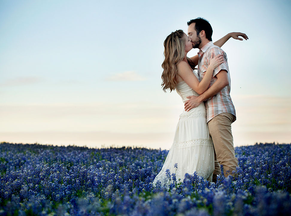 1-Austin_Engagement_Photography_She-N-He0046.jpg