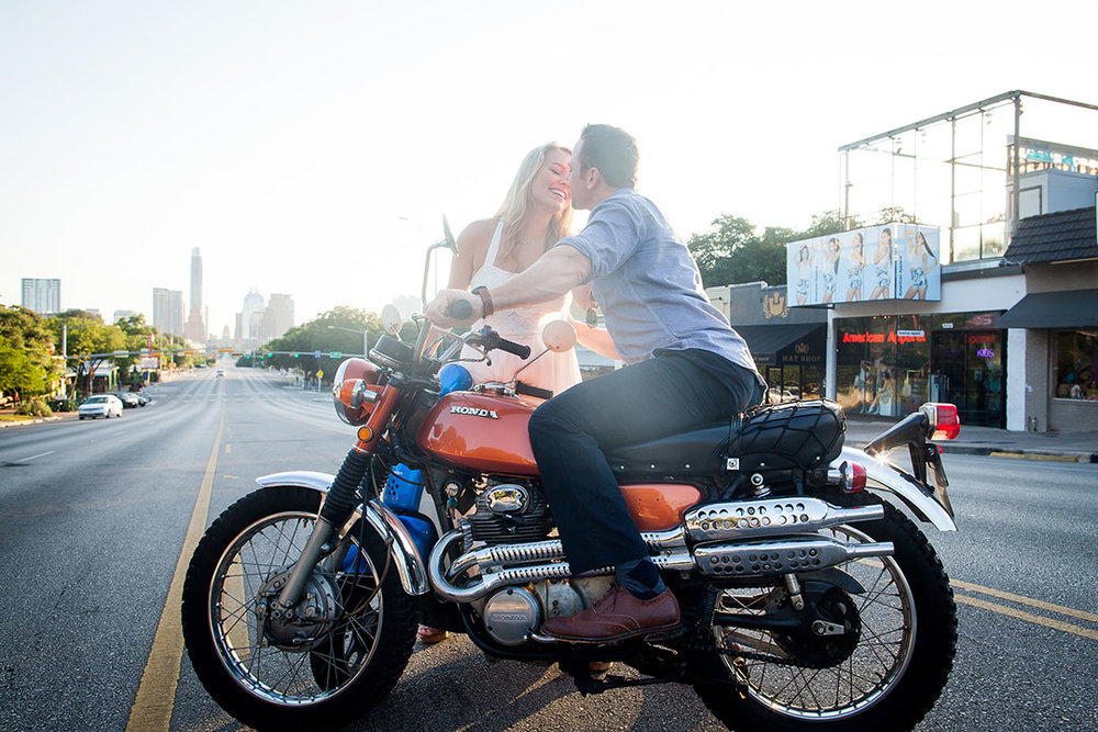25-Downtown_Austin_Engagement_Photo.jpg