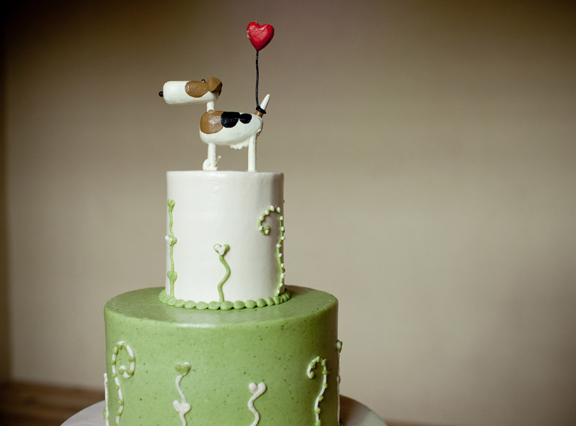 wedding cake, barr mansion, dog cake topper