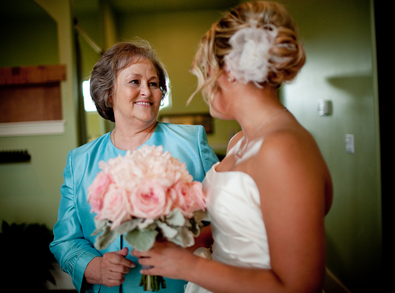 mother of the bride, last look, austin wedding photographer
