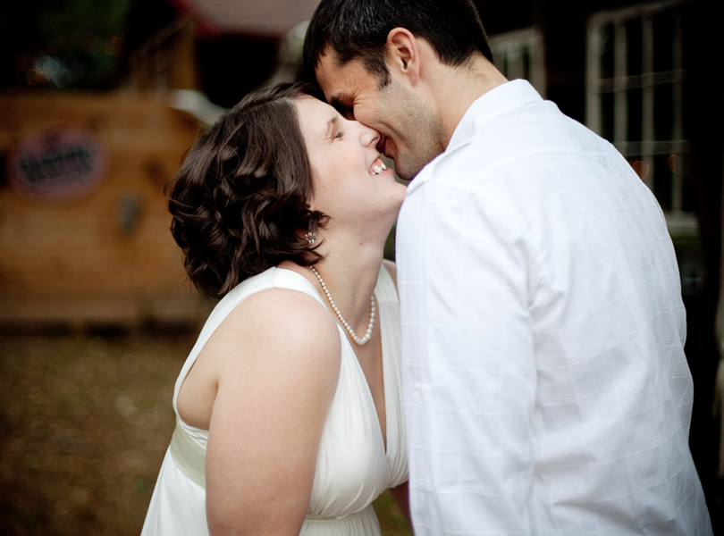 bride and groom kissing, romantic, intimate wedding, offbeat wedding