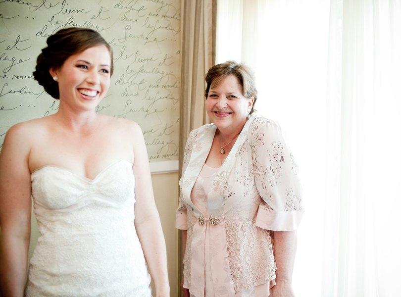 bride, mother of the bride, vintage villas wedding
