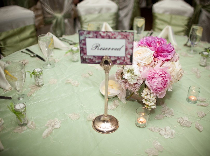 The Hills Country Club Wedding, Westbank Flower Market, flower centerpiece, pink
