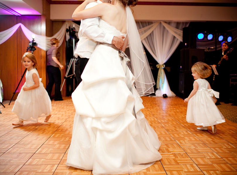 bride and groom first dance, The Hills Country Club Wedding, flower girls dancing