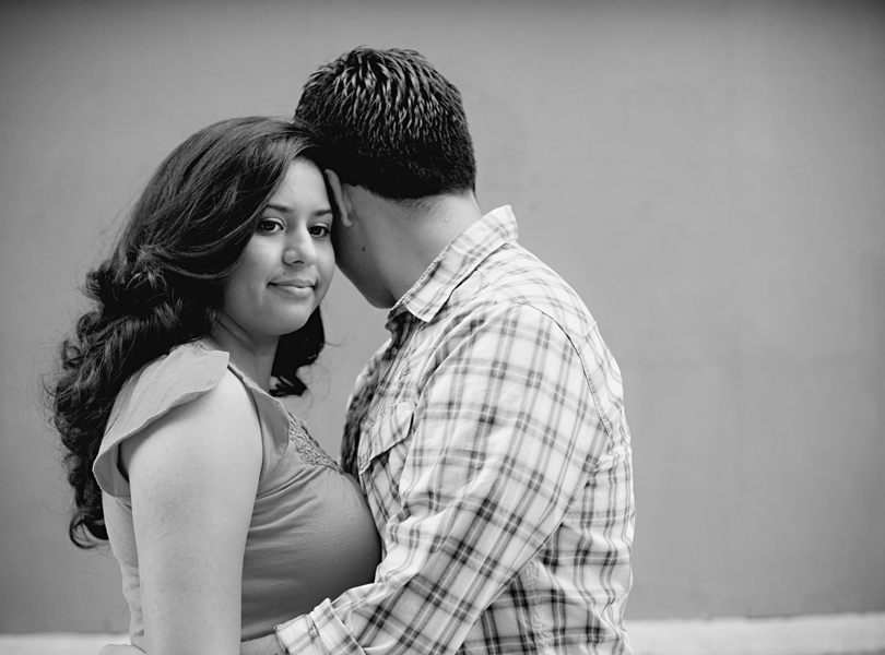 UT campus engagement session, austin engagement photographer, black and white photo, hispanic couple
