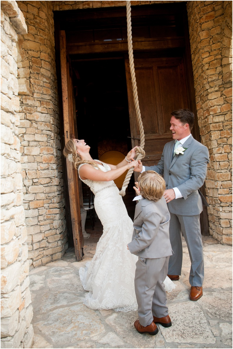 Camp_Lucy_Wedding_Photo_Driftwood_Texas_Wedding0028.jpg