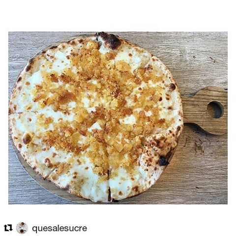 #Repost @quesalesucre ・・・ #knefe anyone? #lebanesesweets #lebaneseknefe #manouche #breakfast #brunch #foodporn #delicious #fuckthediet #stormyweather #friendsgathering #foodies #lebanesebreakfast #beirut #lebanon #gastronomy #livelovefood #boulevardbeirut #cravings #cravingsatisfied #winterfood