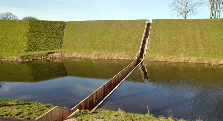Ponte Moisés, Holanda