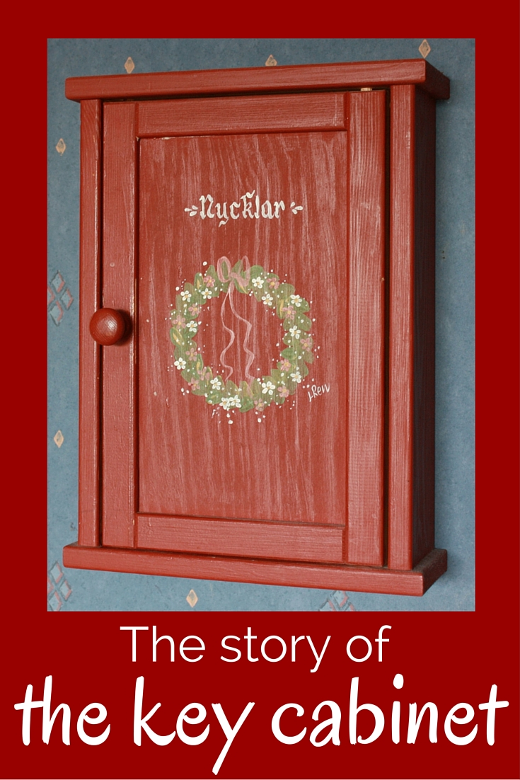 The story of the key cabinet - CollekeCreations.com