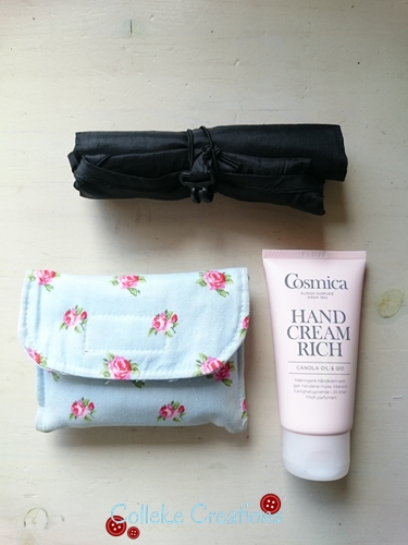 Handcream, shoppingbag and femal pads and tampons I have in my Allison bag - Colleke Creations