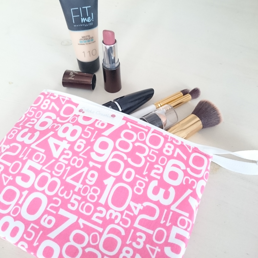 Flat zipper pouch Sage in pink with numbers