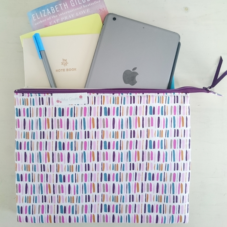 Flat zipper pouch Madison in purple