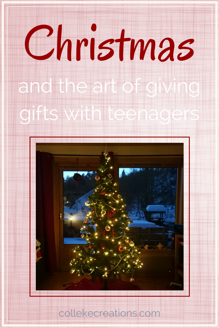 How does your family with teenagers organize the gifts giving - Colleke Creations