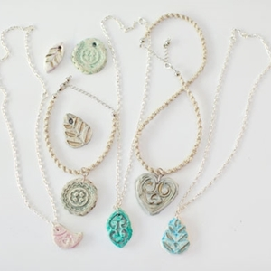 Mother's Day craft for teens - Clay pendant necklaces from Agnes - Colleke Creations