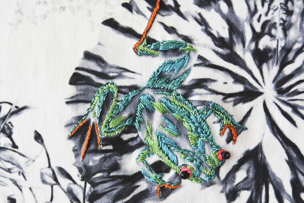 multi-frogs-on-a-lilypad-17.jpg