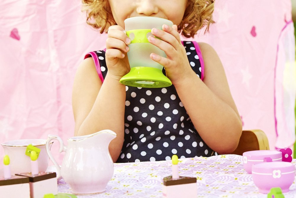 Munchkin No Tip Cup   A transitional cup for tiny, growing hands and patient parents.