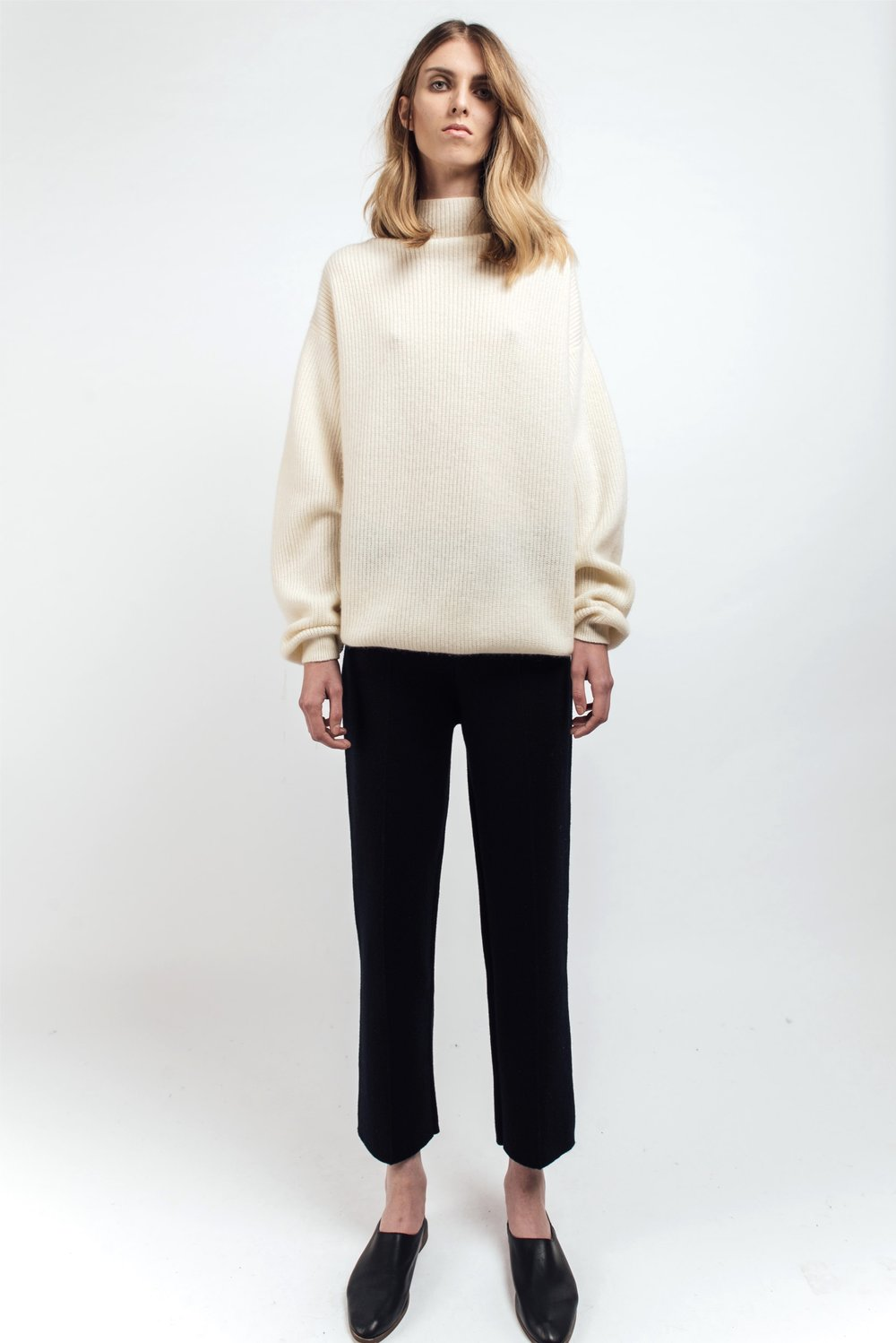 White ribbed cashmere jumper