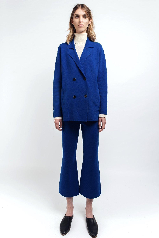 Mandkhai cashmere suit in blue