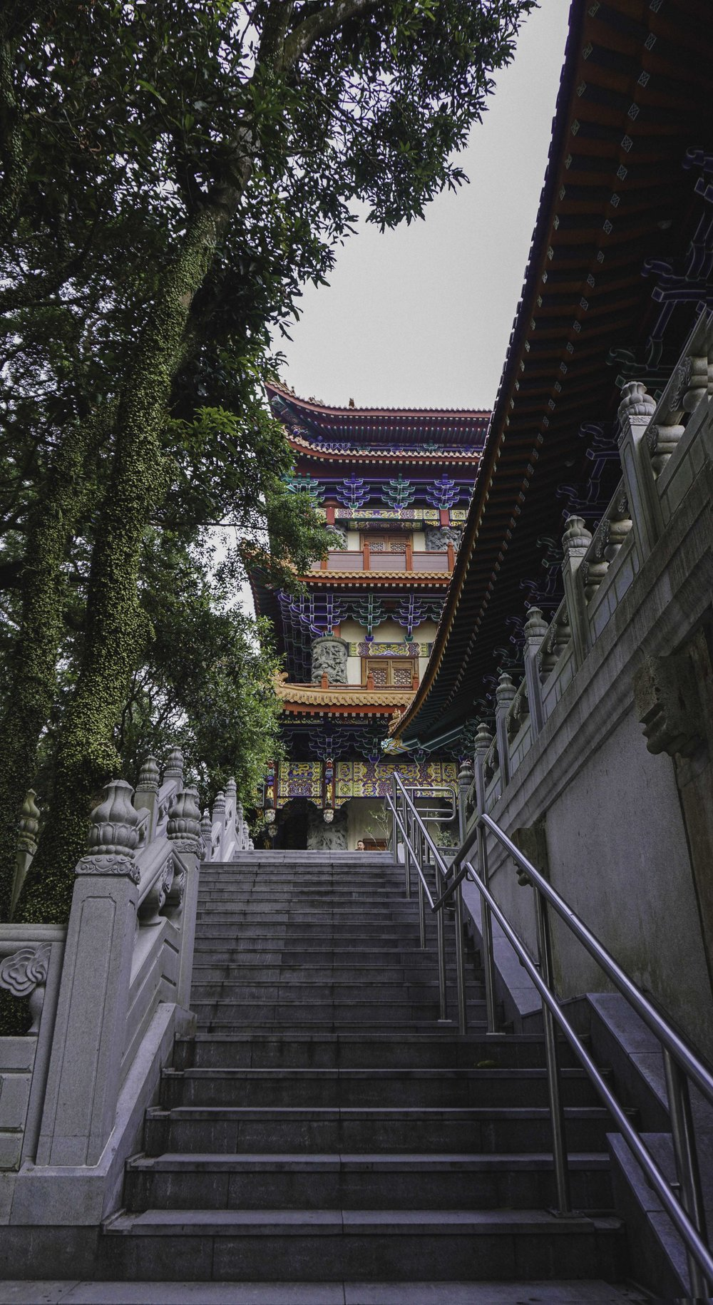 Hong Kong temple.jpg
