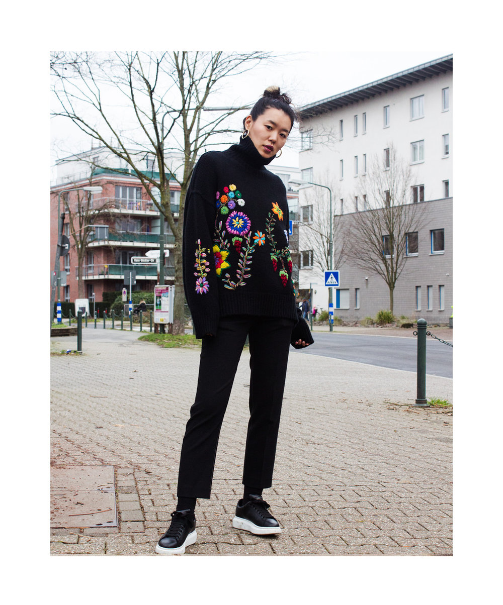 Mandkhai wears embroidered oversized jumper2