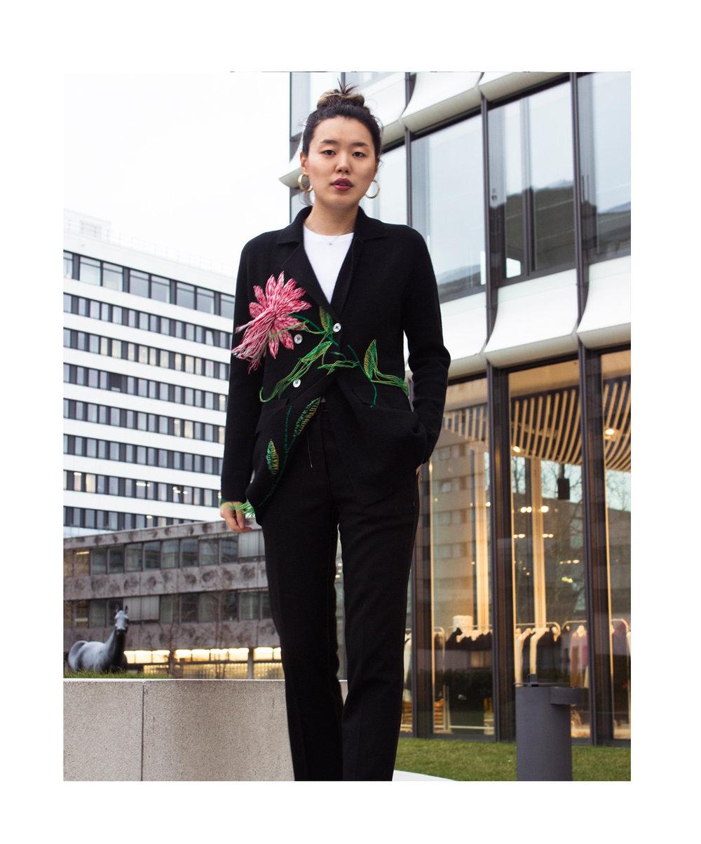 Mandkhai flower embroidered suit blazer