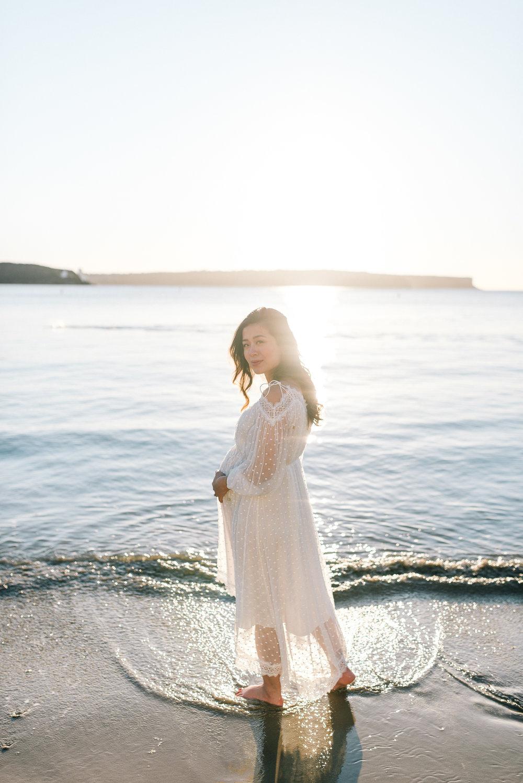 balmoral beach, Sydney maternity portrait session