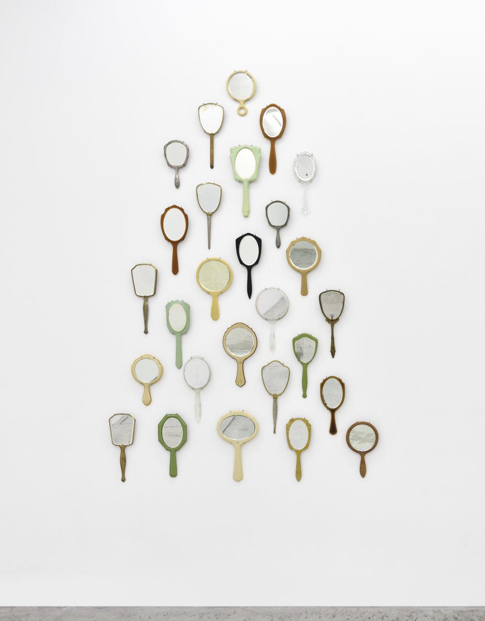 Selfie Stick (Deux), 2018 miroirs 203,2 x 139,7 cm - 80 x 55 inches