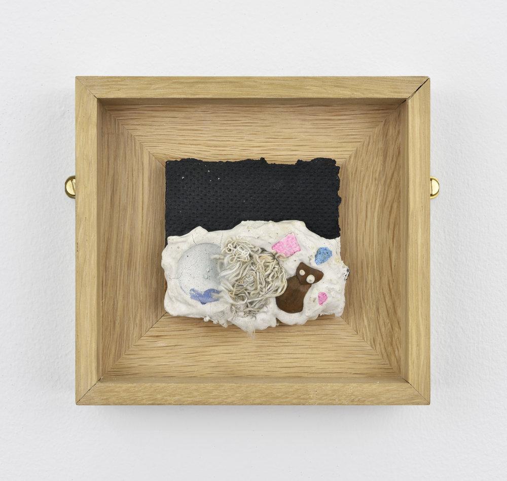 Niki de SAINT PHALLE String 1, 1961 paint, plaster and various objects on isorel 4 23/32 x 5 1/8 x 1 5/16 in (12 x 13 x 3,3 cm) Courtesy : Niki Charitable Art Foundation et Galerie GP&N Vallois, Paris