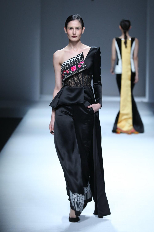 ss-2017_mercedes-benz-china-fashion-week_CN_0003_maryma-11_69264.jpg