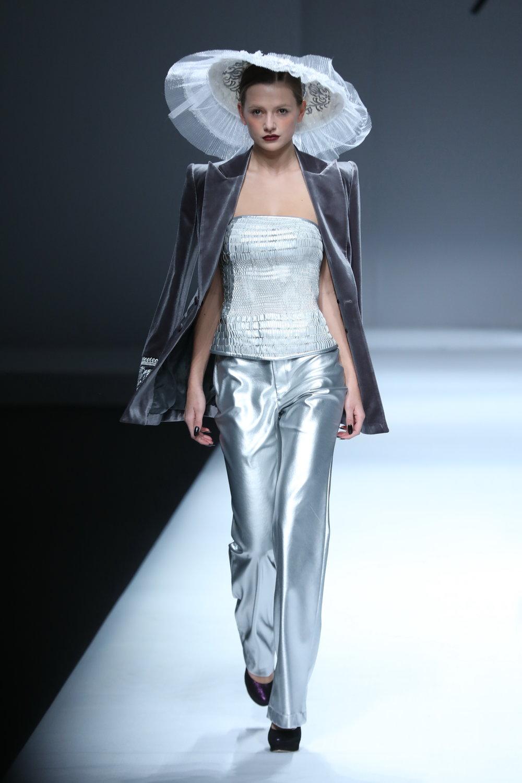 ss-2017_mercedes-benz-china-fashion-week_CN_0008_maryma-16_69259.jpg