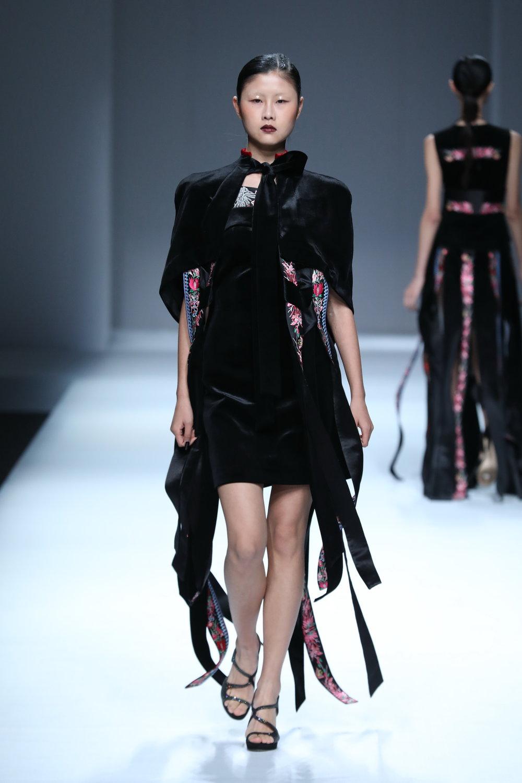 ss-2017_mercedes-benz-china-fashion-week_CN_0020_maryma-8_69247.jpg