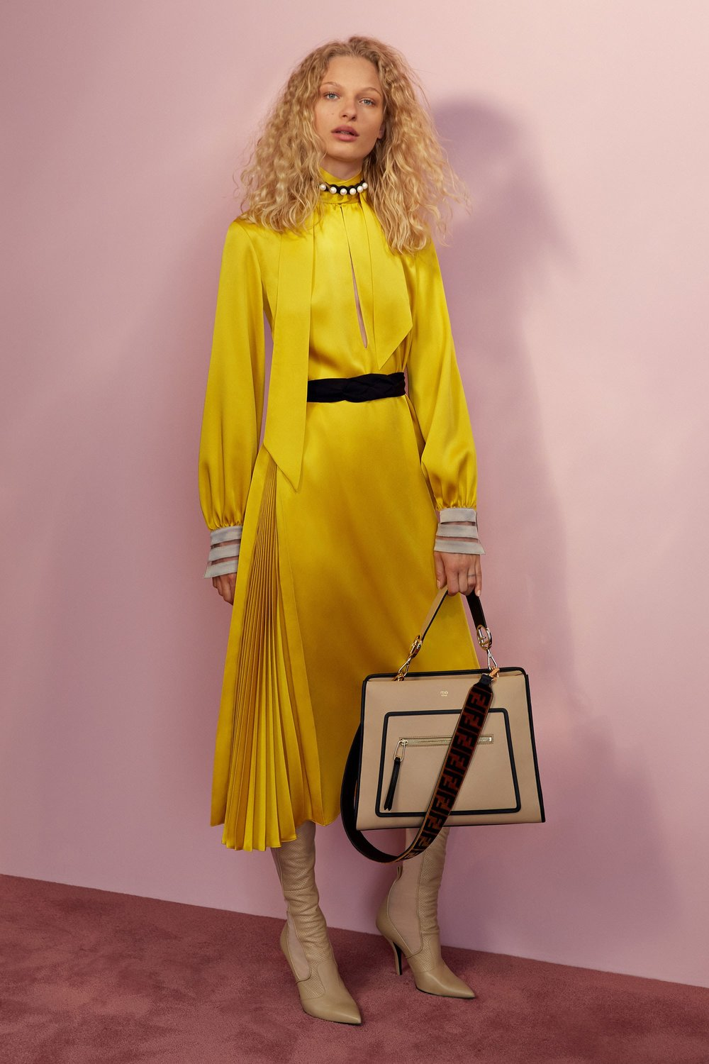 02-fendi-resort-2018.jpg