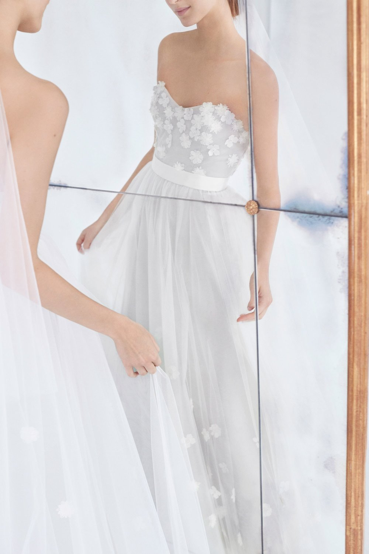 07-Carolina-Herrera-FW18-Bridal.jpg