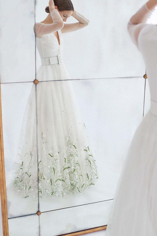 03-Carolina-Herrera-FW18-Bridal.jpg