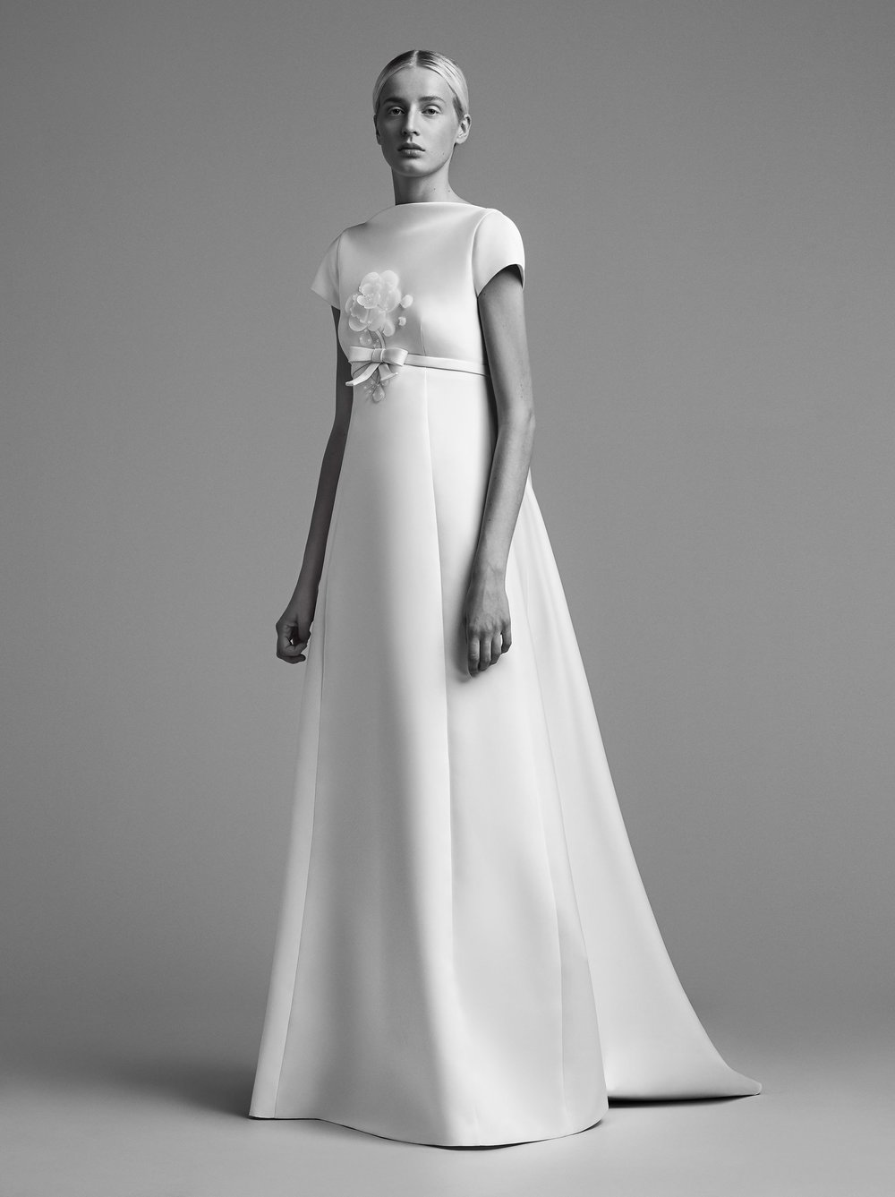 22-viktor-and-rolf-mariage-bridal-fall-2018.jpg