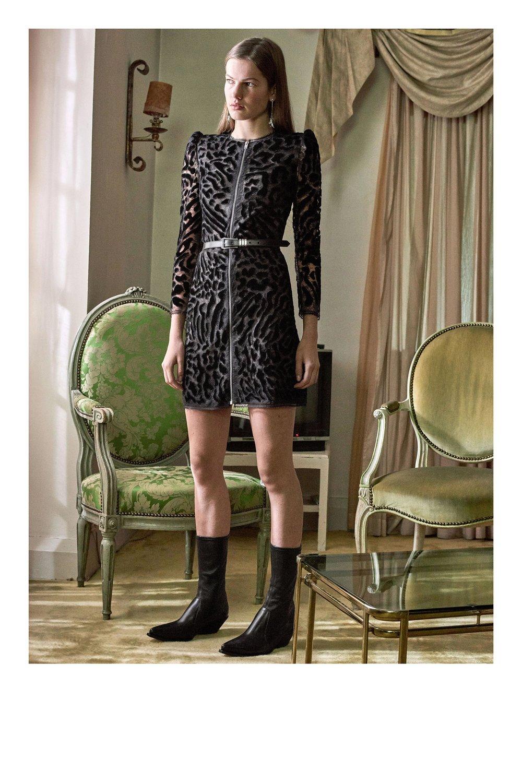 Givenchy_1512932896_d7_look_45.jpg