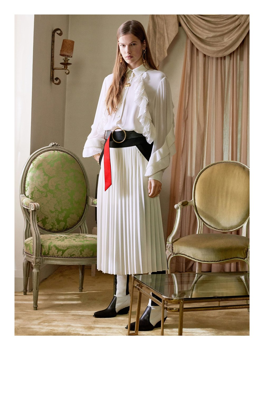 Givenchy_1512958885_c0_look_43.jpg