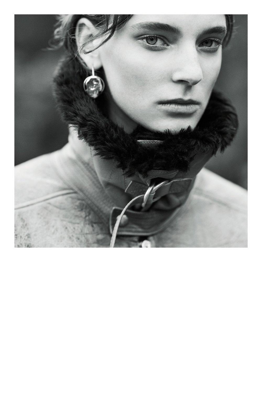 Givenchy_1512932896_a2_look_27.jpg