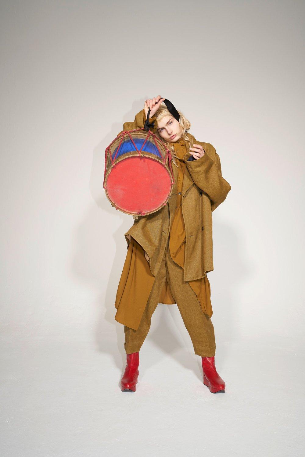02-Vivienne-Westwood-Fall-18.jpg