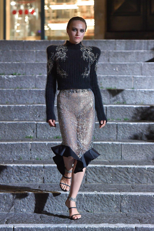 00005-Maison-Francesco-Scognamiglio-Vogue-Couture-FW18-pr.jpg