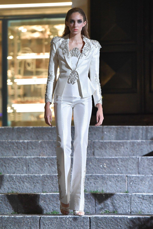 00004-Maison-Francesco-Scognamiglio-Vogue-Couture-FW18-pr.jpg