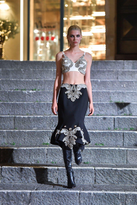 00002-Maison-Francesco-Scognamiglio-Vogue-Couture-FW18-pr.jpg